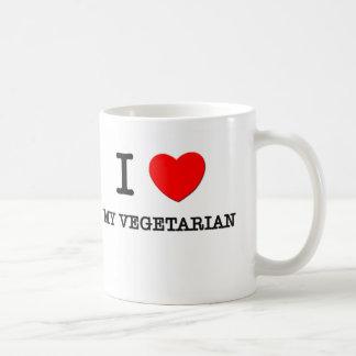Amo a mi vegetariano taza