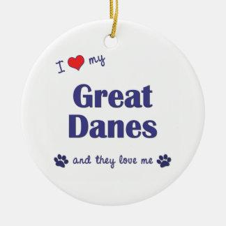 Amo a mis grandes daneses (los perros múltiples) adorno navideño redondo de cerámica