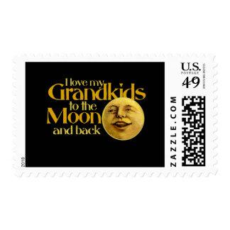 Amo a mis grandkids a la luna y a la parte sello postal