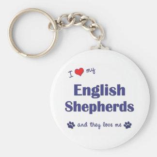 Amo a mis pastores ingleses (los perros múltiples) llavero redondo tipo pin