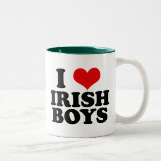 amo a muchachos irlandeses tazas