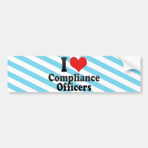 Amo a oficiales de la conformidad etiqueta de parachoque