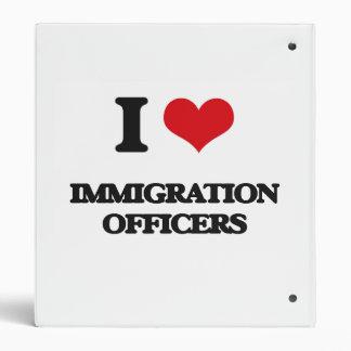 Amo a oficiales de la inmigración