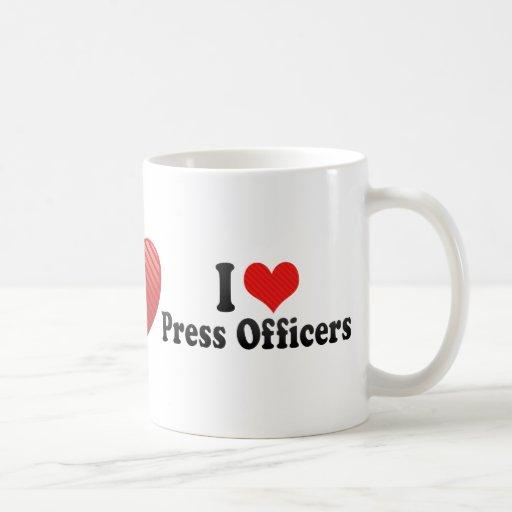 Amo a oficiales de la prensa taza básica blanca