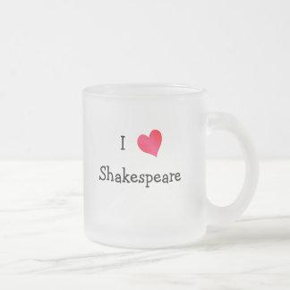 Amo a Shakespeare Tazas