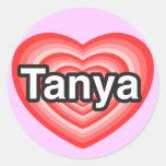 Amo a Tania. Te amo Tania. Corazón Pegatinas Redondas