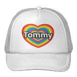 Amo a Tommy. Te amo Tommy. Corazón Gorros Bordados