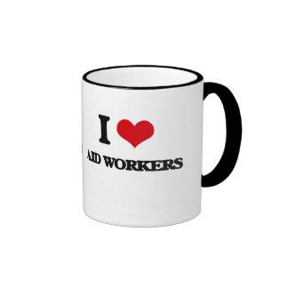 Amo a trabajadores de ayuda taza