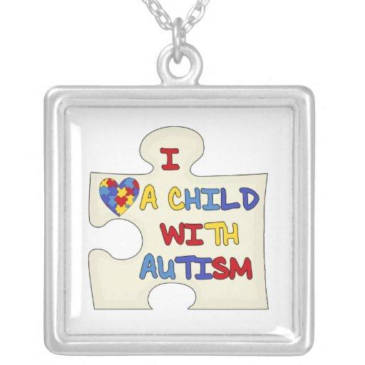 Amo a un niño con autismo colgante cuadrado