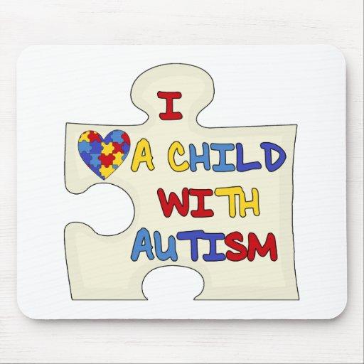 Amo a un niño con autismo mouse pads