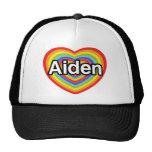 Amo Aiden, corazón del arco iris Gorras