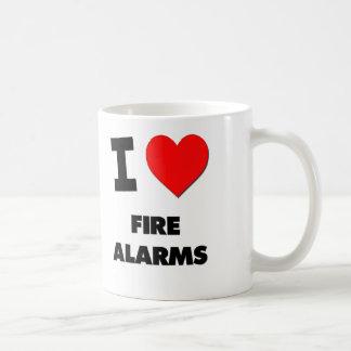 Amo alarma de incendio taza clásica