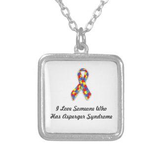 Amo alguien que tiene síndrome de Asperger Collar Plateado
