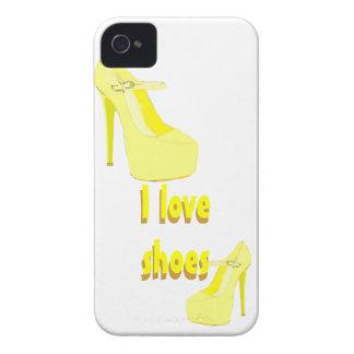 Amo amarillo de los zapatos del tacón alto iPhone 4 Case-Mate cárcasa