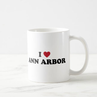 Amo Ann Arbor Michigan Taza Básica Blanca