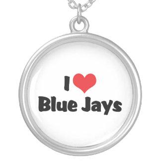 Amo arrendajos azules del corazón collar plateado