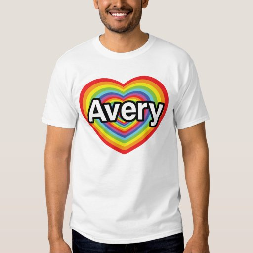 Amo Avery, corazón del arco iris Remeras