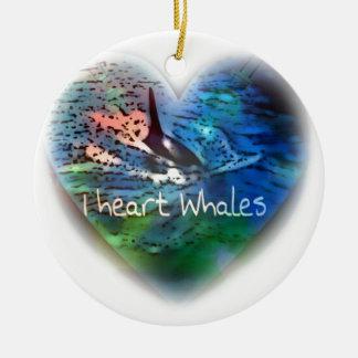 Amo ballenas de la orca en regalos del corazón adorno navideño redondo de cerámica
