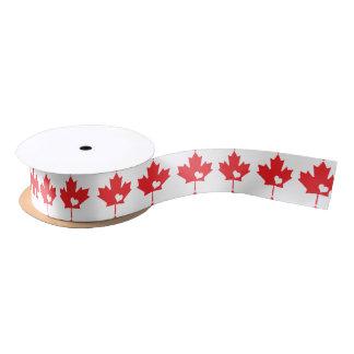 Amo Canadá - corazón canadiense de la hoja de arce Lazo De Raso