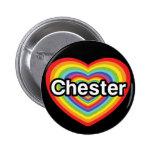 Amo Chester: corazón del arco iris Pin Redondo 5 Cm