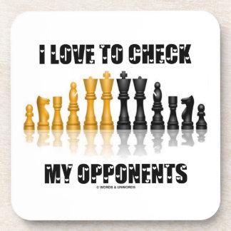 Amo comprobar mi juego de ajedrez reflexivo de los posavasos de bebidas
