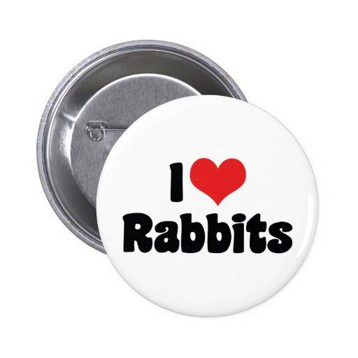Amo conejos del corazón pin redondo de 2 pulgadas