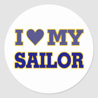 Amo (corazón) a mi marinero pegatina redonda