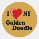 Amo (corazón) a mi pegatina de oro del perro del D