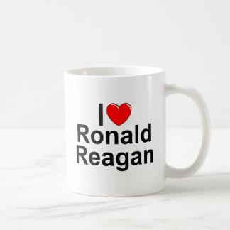 Amo (corazón) a Ronald Reagan Tazas