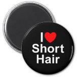 Amo (corazón) el pelo corto imanes de nevera