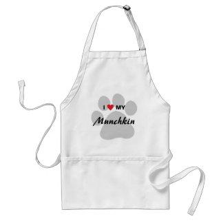 Amo (corazón) mi diseño de Pawprint del gato de Delantal