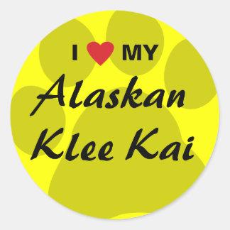 Amo (corazón) mi Klee de Alaska Kai Pegatina Redonda