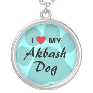 Amo (corazón) mi perro de Akbash Colgante Redondo