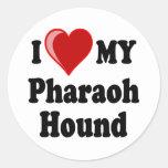 Amo (corazón) mi perro de caza del Pharaoh Pegatina Redonda
