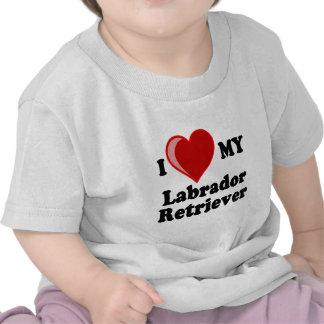 Amo (corazón) mi perro del labrador retriever camiseta