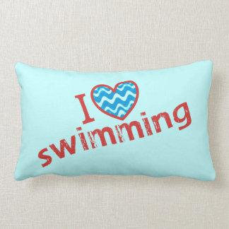 Amo (corazón) nadar cojín