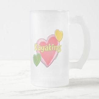 Amo corazones del kajak taza de cristal