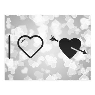 Amo corazones perforados postal
