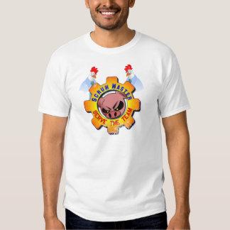 Amo del melé con el cerdo y los pollos - sirva al playera