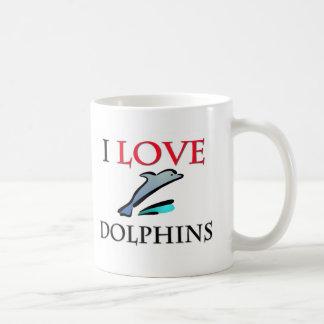 Amo delfínes taza clásica