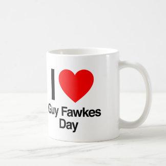 amo día de los fawkes del individuo taza clásica