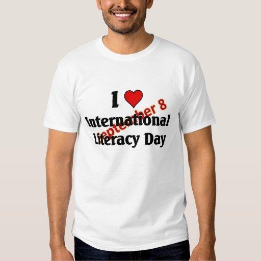 Amo día internacional de la instrucción camisas