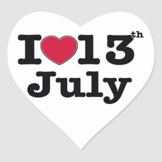 Amo el 13 de julio pegatina en forma de corazón