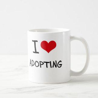 Amo el adoptar taza de café