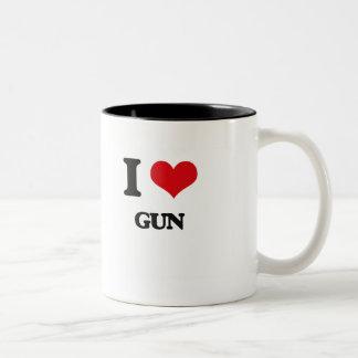 Amo el arma taza dos tonos