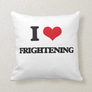 Amo el asustar almohada
