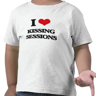 Amo el besar de sesiones camiseta