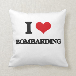Amo el bombardear cojin