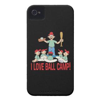 Amo el campo de la bola Case-Mate iPhone 4 fundas