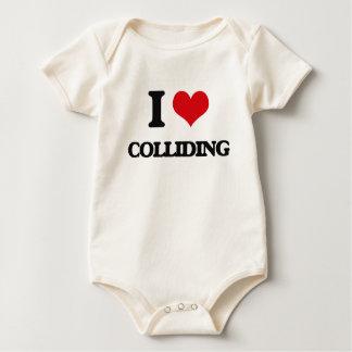 Amo el chocar trajes de bebé
